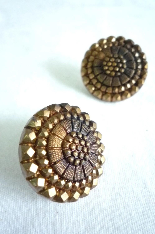 2. Flower Button Stud Earrings