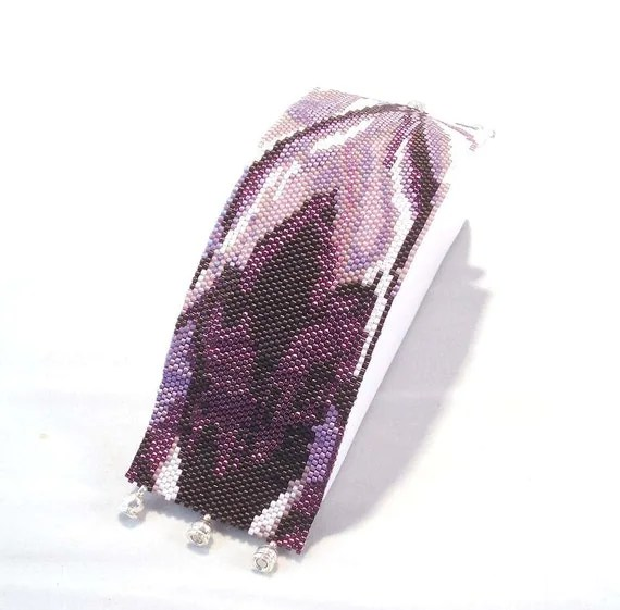 Hannah Rosner cuff bracelet bead pattern peyote stitch iris