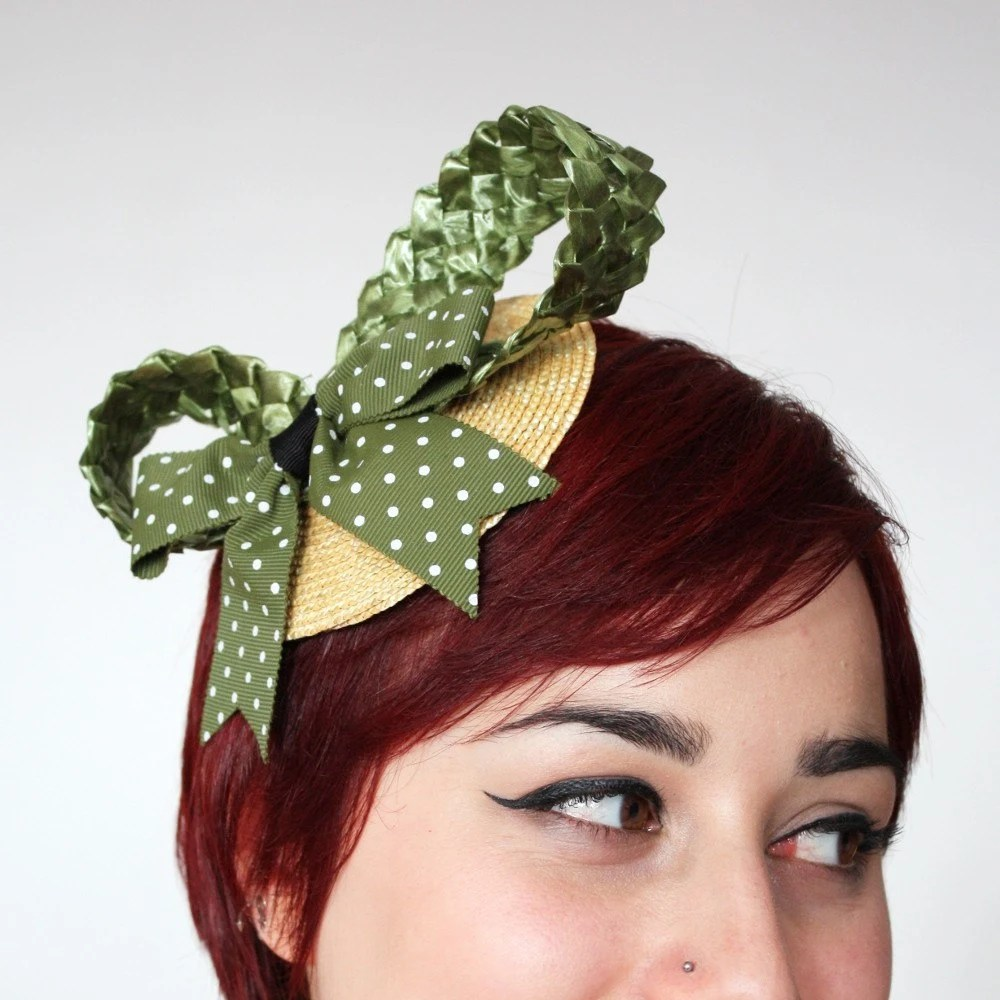 Bow fascinator natural straw, khaki green raffia loops and green plka dot bow