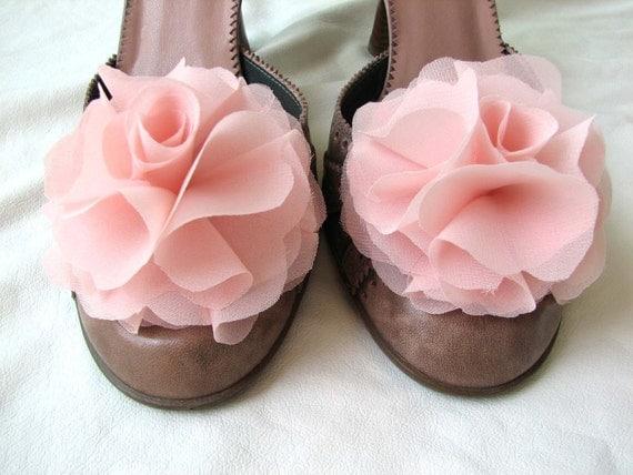chiffon flower shoe clips in light coral pink