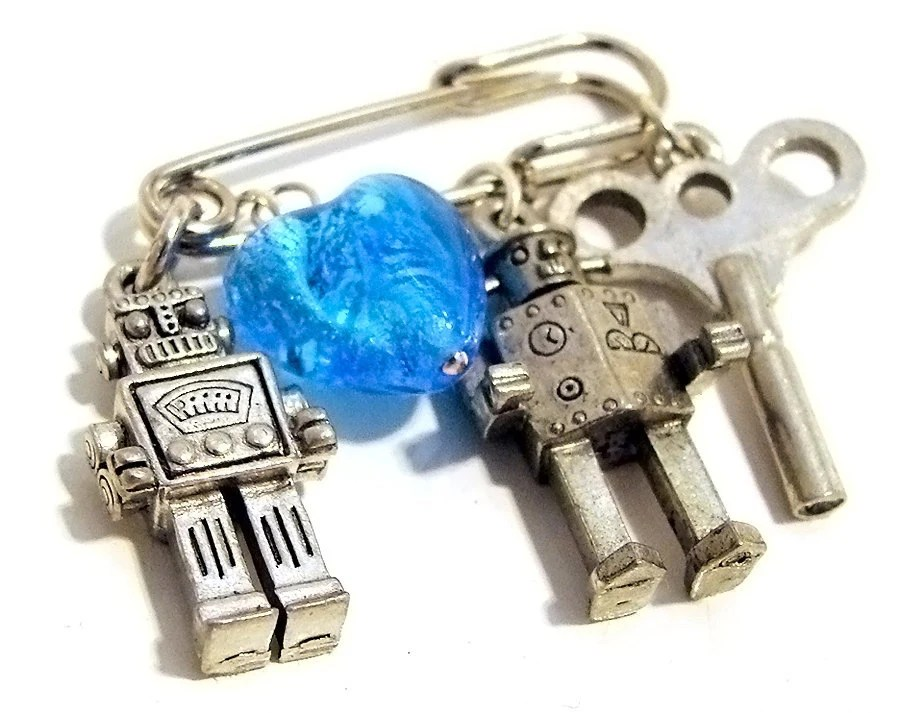 Metropolis Robot Kilt Safety Brooch Mini Pin