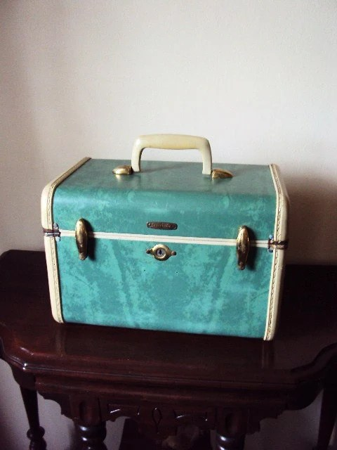 Vintage Samsonite Train Case in Retro Blue