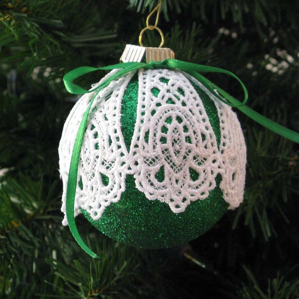 Green Medallion Lace Embroidered Ornament