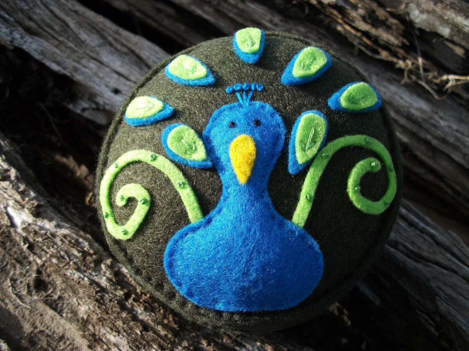 peacock, pin cushion, pincushion, spincushions