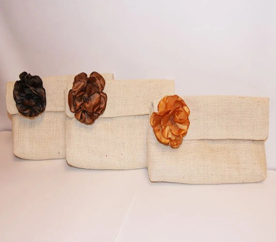 Simple Clutch with removable flower