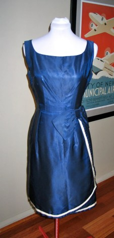 Vintage 1950s Sarong Style Dress with With Trim and Bow - M