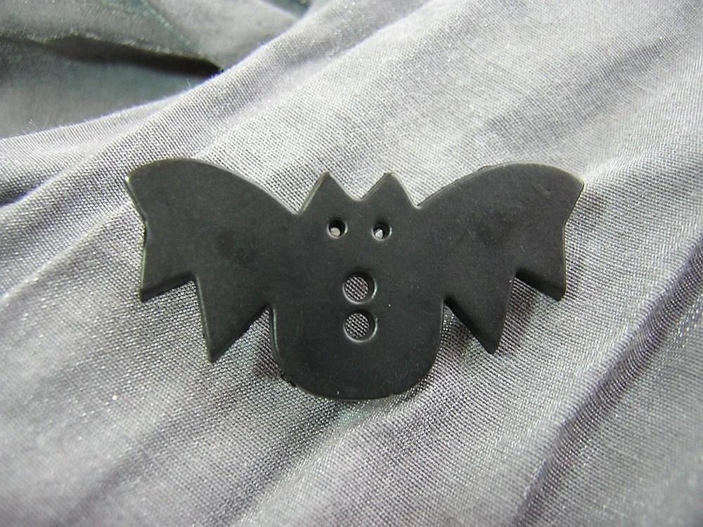 Cute Black Bat Pin by Rewondered D225P-00004 - $5.95