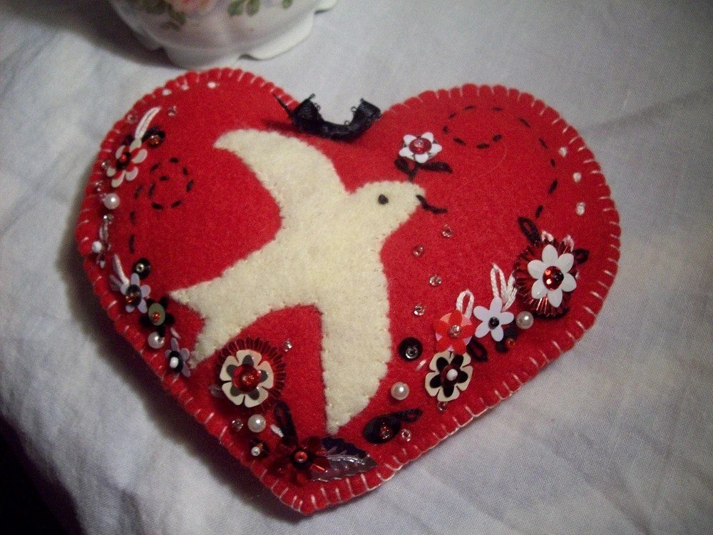 Valentine pillow card or cash holder