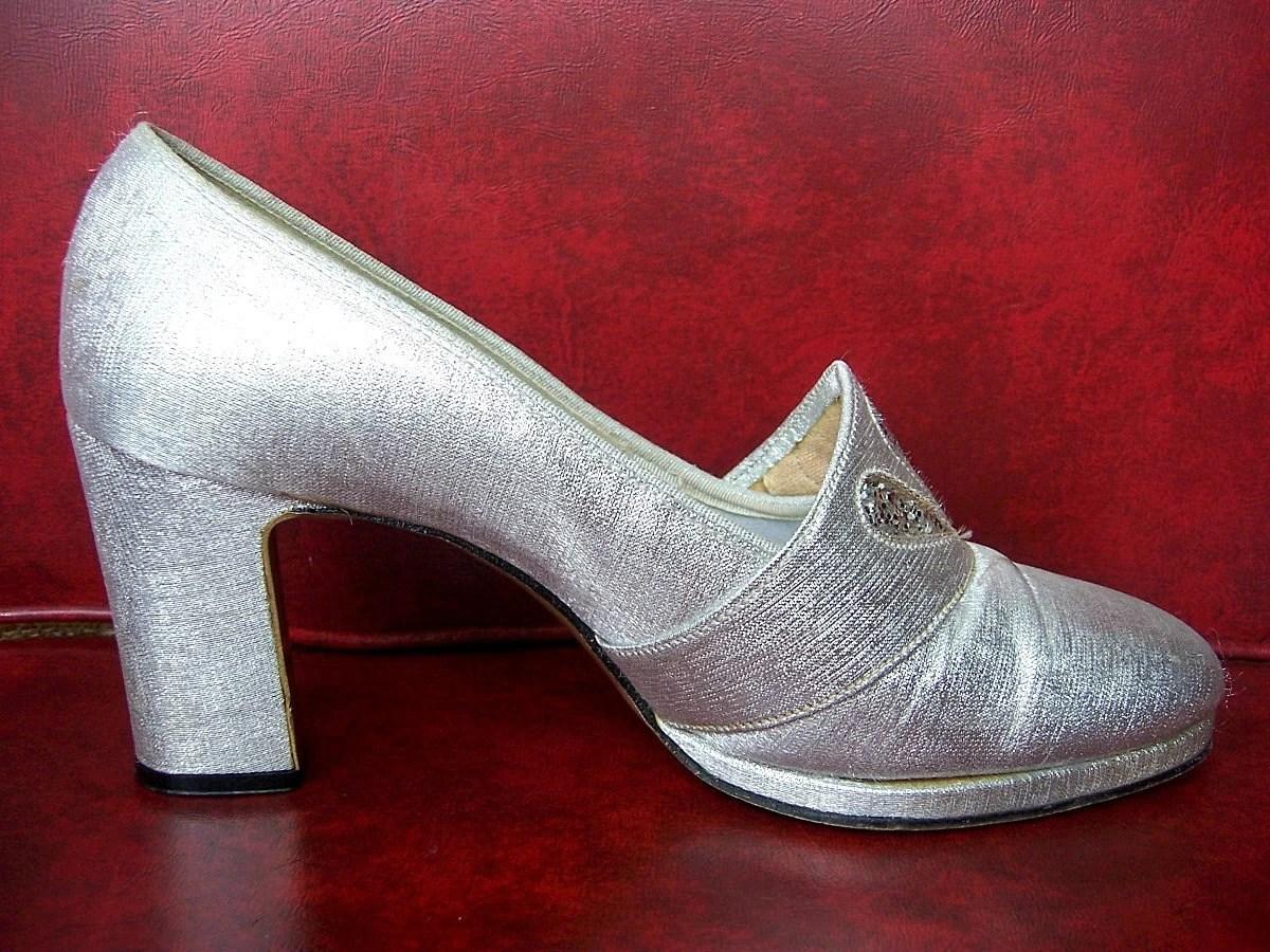 vintage SILVER 60s Mod GLITTER DROPS Heels