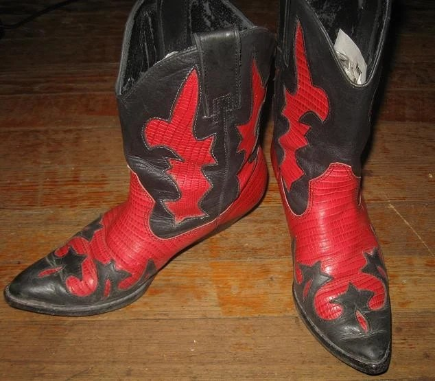 AMAZING Red/Black Cowboy Boots size 6