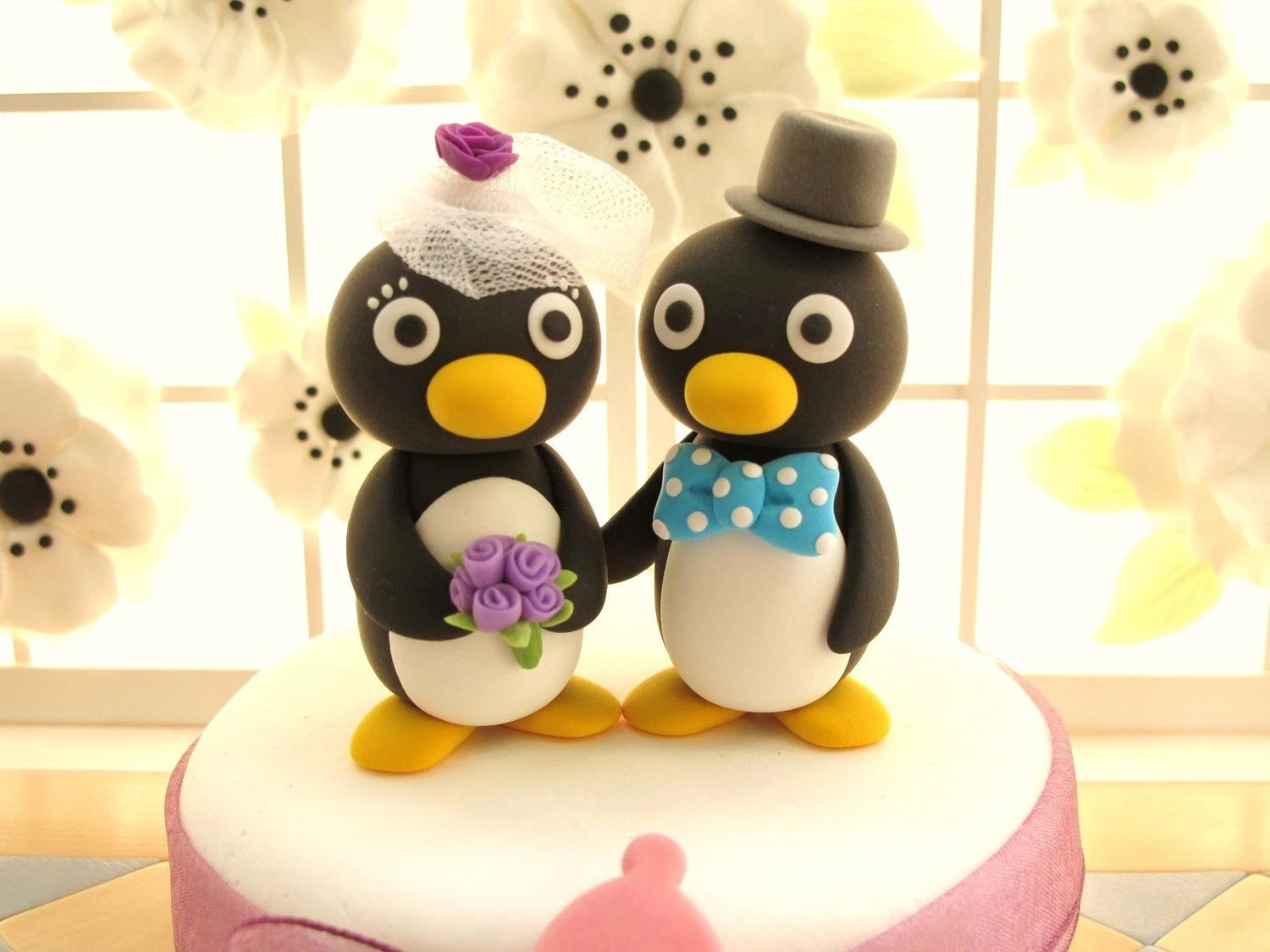 PROMOTION-------LOVE ANGELS Wedding Cake Topper-love Penguins