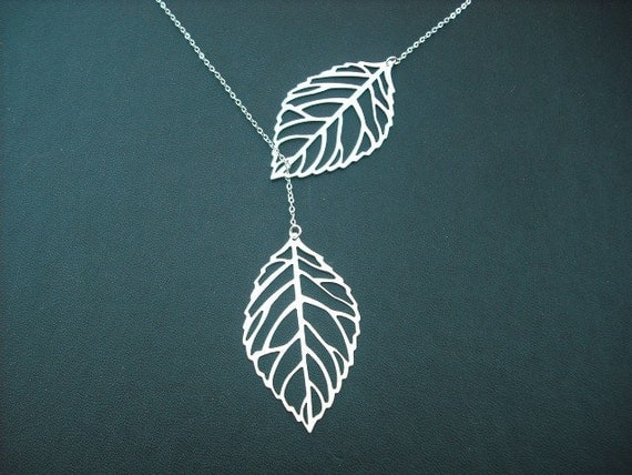 leafy lariat - matte white gold plated