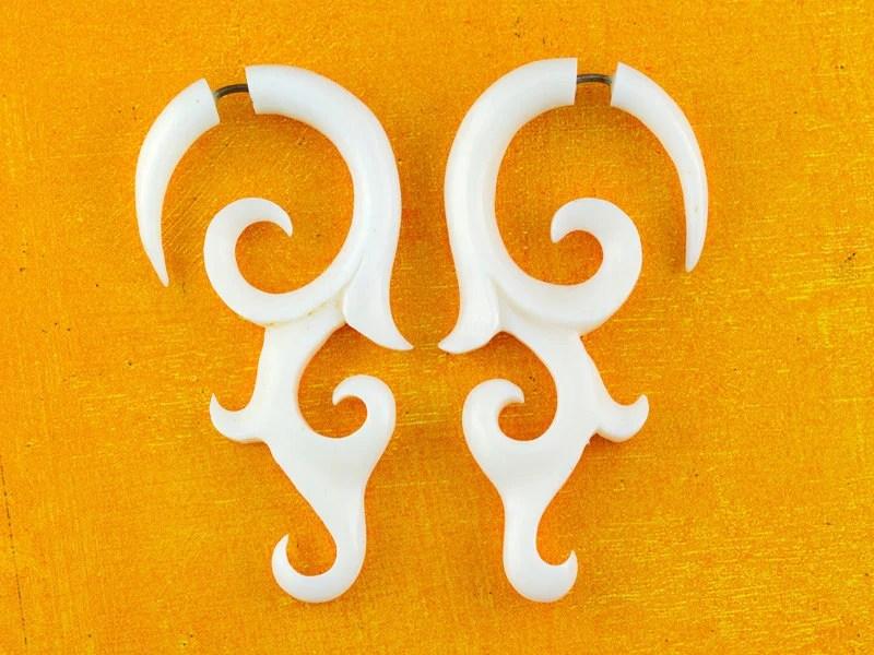 Bone Earrings - Aviv Vine Curls - Bone Fake gauges