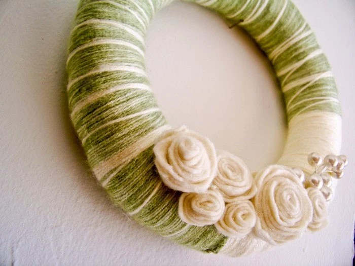 spring wreath green flowers yarn