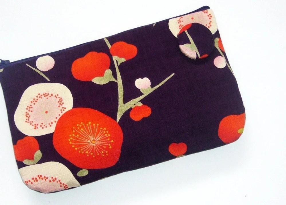 Plum blossom clutch