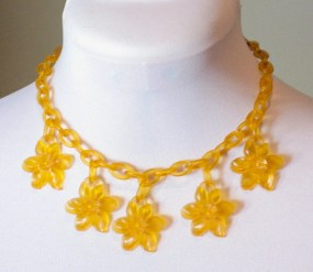 Vintage 1930s Yellow Celluloid Daffodil Necklace