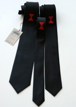 Black widow spider necktie. Choose skinny, narrow, or standard width.