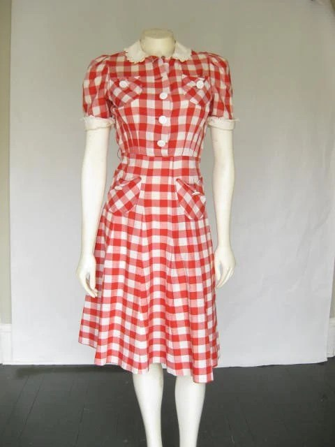 VINTAGE 50s Red and White Checked=