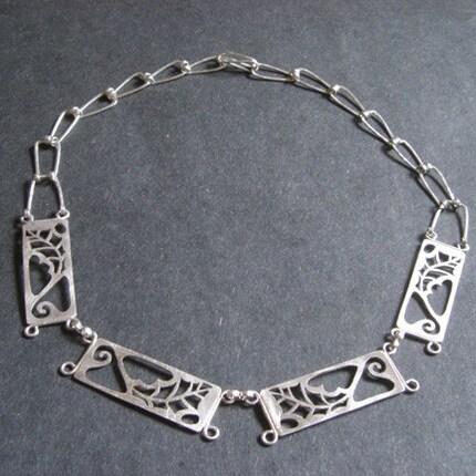 Sterling Silver Scrub Oak Necklace