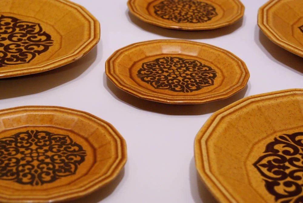 set for 4 large and small amber colored plates