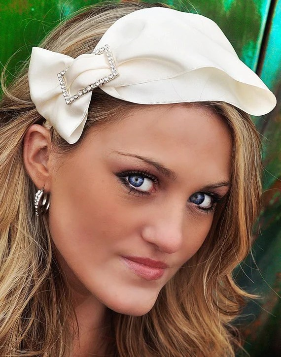 ALYSE- bow in white or creme for weddings, special occasions, bridesmaids and brides