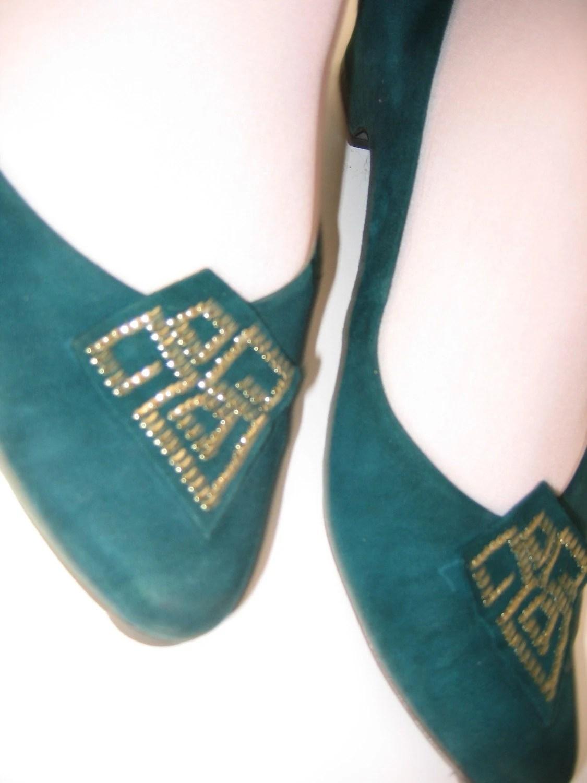 Vintage Suede Kitten Heels