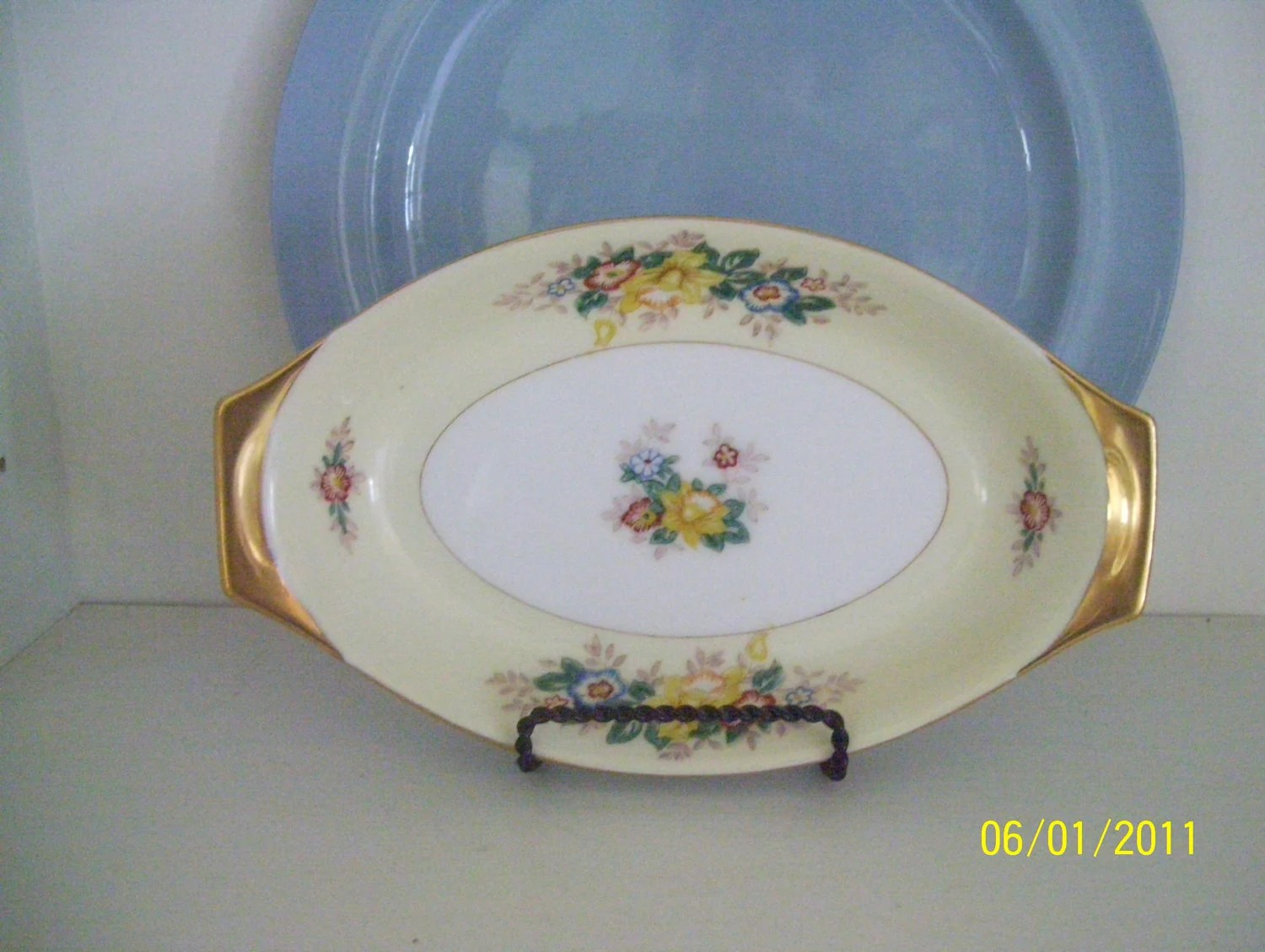 Vintage Meito Oval Plate Gilt Handles Hand Painted Japan