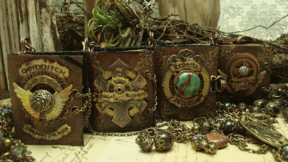 Book Necklace Harry Potter