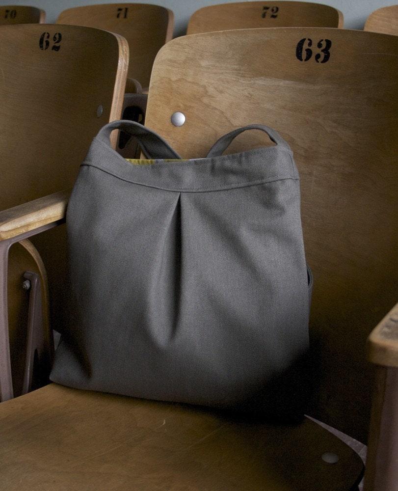 ESEN — Pleat Messenger Bag