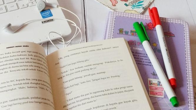 Diary ungu pemberian Mba Dini