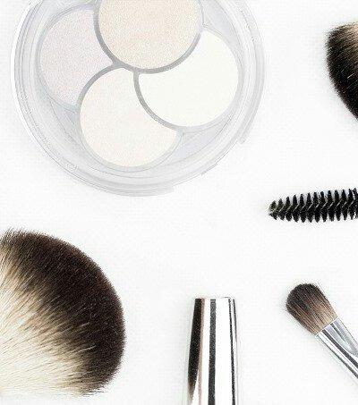 Make Up Minimalis Untuk Sehari-hari