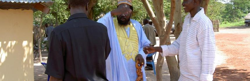 Dong Luak Kok(in white) and Salva Kiir Mayardit in Dr. John Garang's house in Rumbek in 2005(Photo: file)
