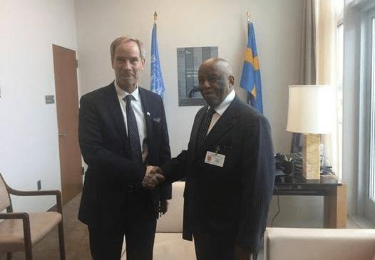 JMEC Chairman H.E Festus Mogae with the President of the UNSC Olof Skoog in New York, Yesterday(Photo: file)