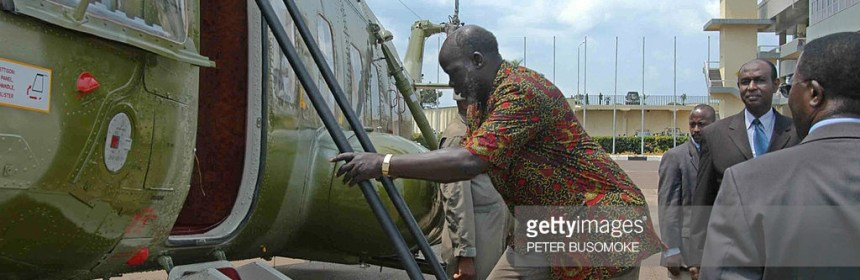 Dr. John Garang de Mabior boarding a plane in Kampala , Uganda. He died shortly thereafter(Photo: file)