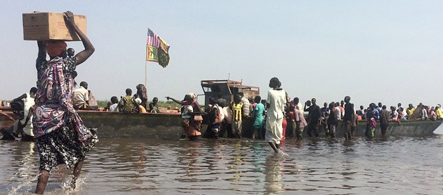Citizens of new Jonglei state crossing the River Nile to Mingkaman in 2014(Photo credit: WHO/Haskew)