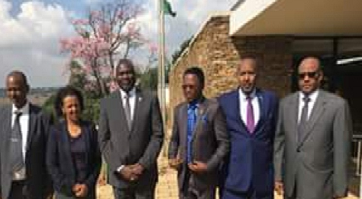 Machar posting for a photo with IGAD foreign ministers in Pretoria today 15 May 2016. (Photo courtesy)