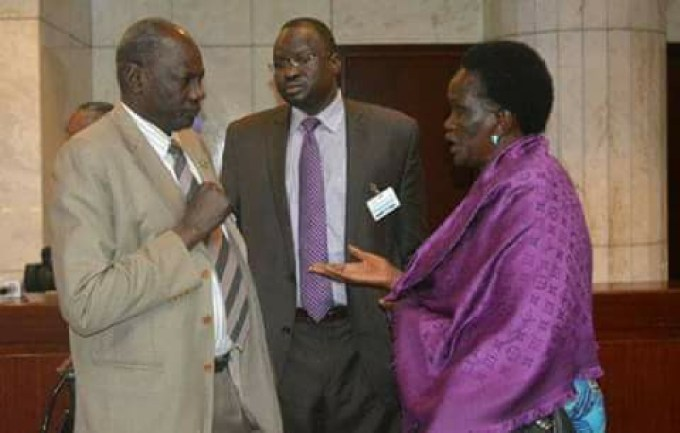 Hon. Michale Makueth Lueth, the government Minister of Information and Broadcasting chatting with FD leaders, Mama Rebecca and Dr. Majak D' Agot during peace talks in Addis Ababa, Ethiopia(Photo: file/supplied/Nyamilepedia)