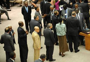 Ambassadors line up to greet Dr. Riek Machar in acknowledgement of South Sudan independence in New York, USA(Photo: file/supplied/Nyamilepedia)