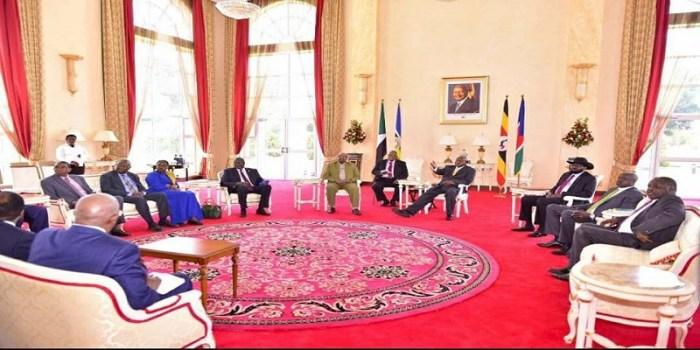 South Sudan leaders, President Kiir and Dr. Riek Machar meet with Sudanese and Ugandan President Omar Hassan el Bashir and Yoweri Museveni in Entebbe, Kampala, Uganda(Photo: file/supplied/Nyamiledia)