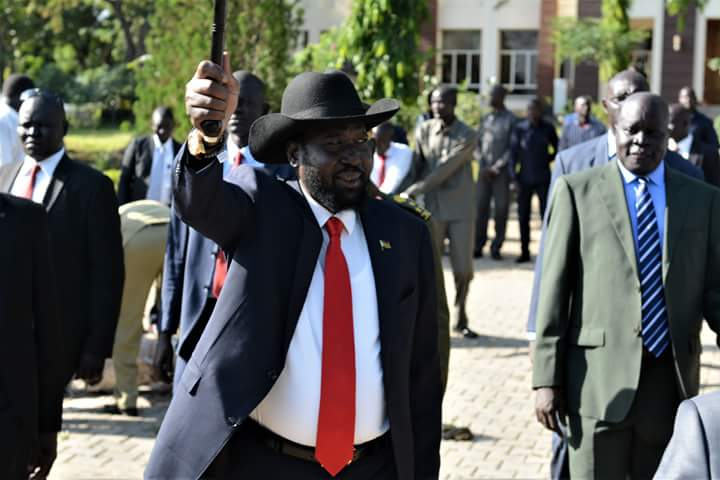 South Sudan President waving to supporters at the State House J1 on Monday, 13th August 2018 (Photo Credit: SSPPU)