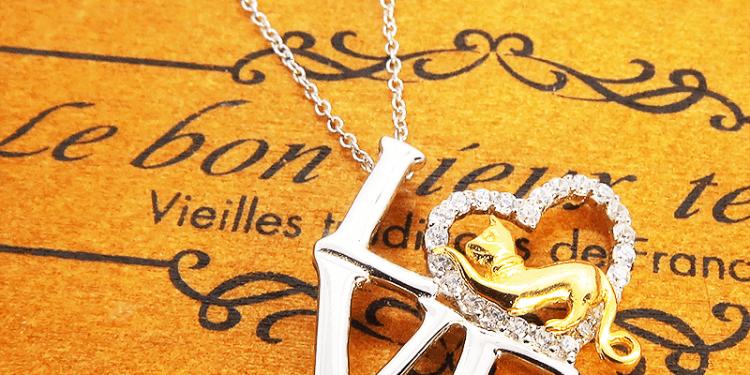 シルバー925 猫ネックレス LOVEの文字と猫とハートを組み合わせたモチーフ キュービックジルコニア 18Kゴールドメッキ