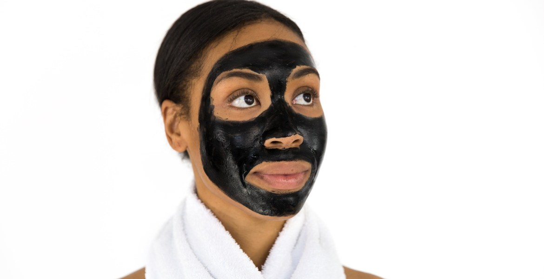 05 masques à faire soi meme avec les produits de chez soi pour lutter contre la peau grasse et l'acné