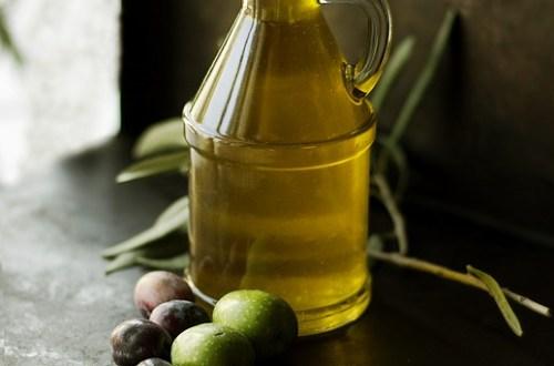 4 huiles nourrir et fortifier les cheveux