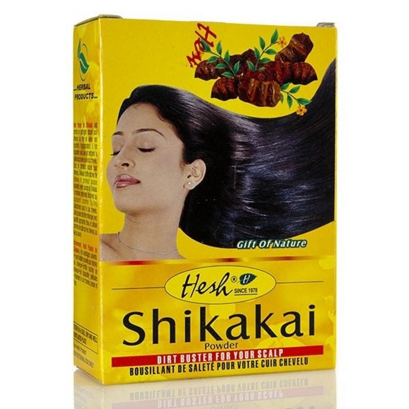la poudre de shikakai done de la brillance aux cheveux et permet de les démeler