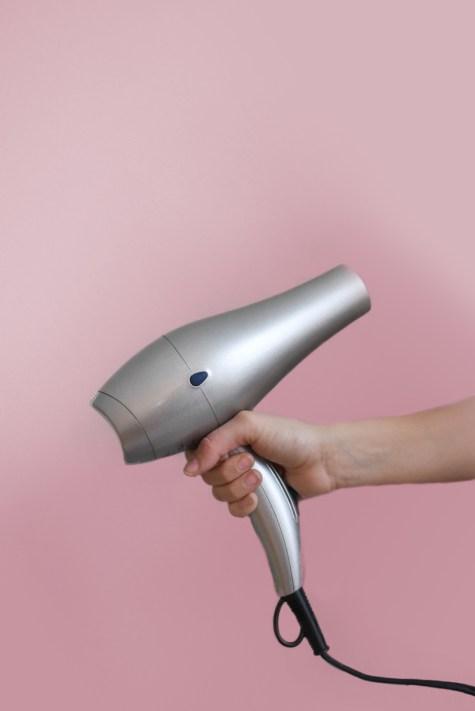les appareils chauffants sont nocifs pour nos cheveux