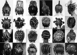 les anciennes coiffures d'afriques qui relevaient plusieurs informations sur la persone qui la portait