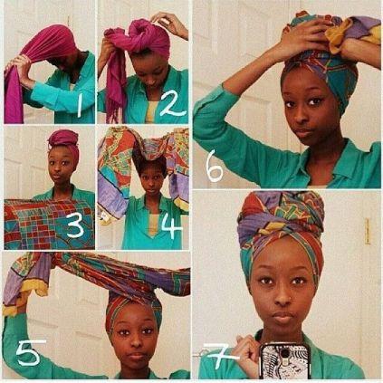 un attaché de foulard avec des imprimés à l'africane