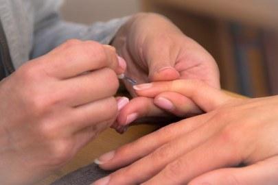 les ongles naturels fort grace à des astuces simples