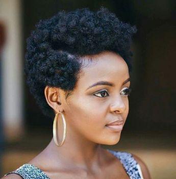 afro bouclés sur cheveux crepus courts