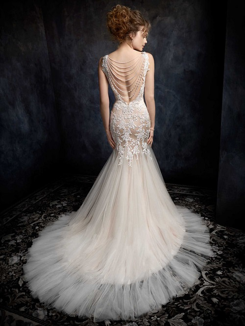 Statement Wedding Gowns: Perfect For One-of-a-Kind Brides